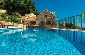 /storage/upload/tbl_products/Gulliver_villa-luxury-rent_Croatia_0555.jpg