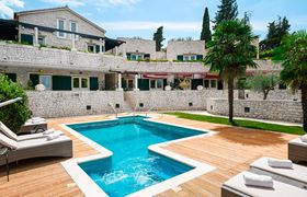 /storage/upload/tbl_products/Gulliver_villa-luxury-rent_Croatia_213331.jpg