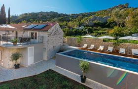 /storage/upload/tbl_products/Gulliver_villa-luxury-rent_Croatia_23175.jpg
